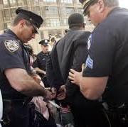 Arrestan más de 100 pandilleros en redada en Harlem