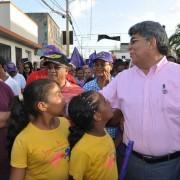 Cientos de mujeres marchan en apoyo a la precandidatura alcalde del licenciado Fernando Rosa