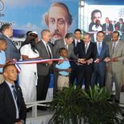 Danilo Medina inaugura dos centros educativos en Monte Plata