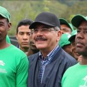 "Bomba! Danilo Medina se une a la ""marcha verde"" en Hondo Valle"