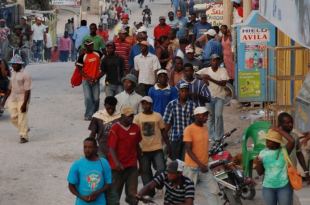 """""""Queremos mejores condiciones para nuestros ciudadanos en RD"""" Delegación haitiana llega RD a investigar que pasa con compatriotas"""