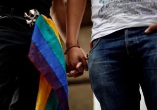Pastor evangélico jura que 'cura' la homosexualidad