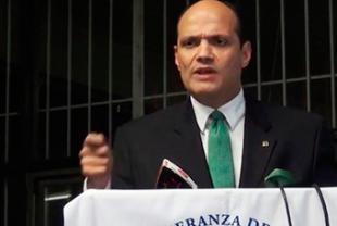 Nieto Trujillo presenta candidatura presidencial; dice RD vive dictadura