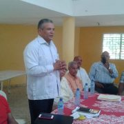 El General Lopez Peralta se reúne con activistas de la Hermandad de Pensionados para su proyecto presidencial