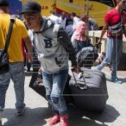 Maduro envia avion a RD para que venezolanos retornen, 90 personas regresan a Venezuela